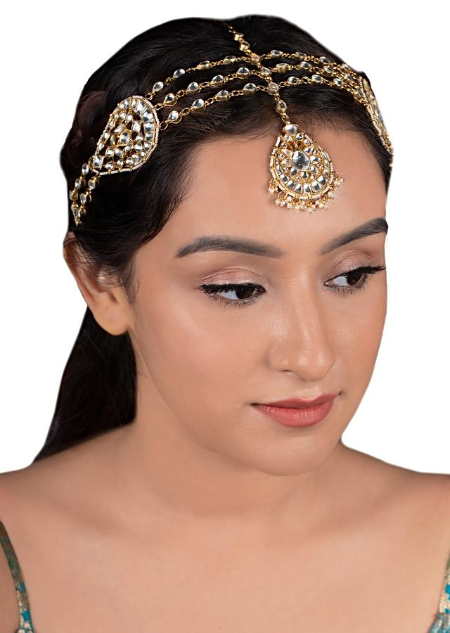 Gold Plated Three Layer Mangtika With Kundan And Moti Accents In Drop Motifs By Riana Jewellery