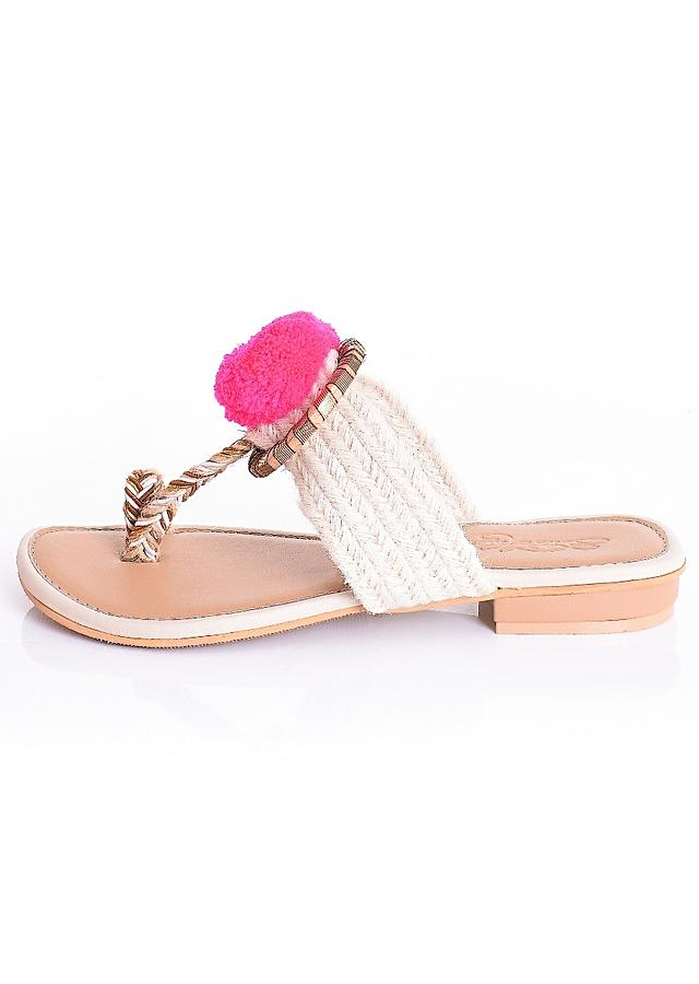 Cream Kolhapuri Sliders In Woven Jute With Gotta Ring And Pink Pom Pom By Sole House