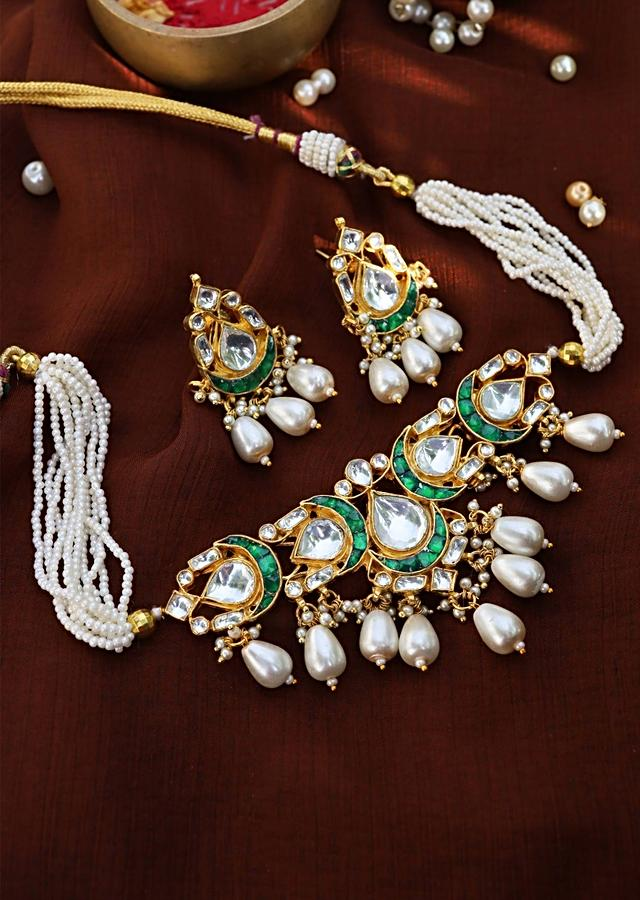 Green And Gold Choker Necklace And Earrings Set Highlighted With Kundan And Shell Pearls By Paisley Pop