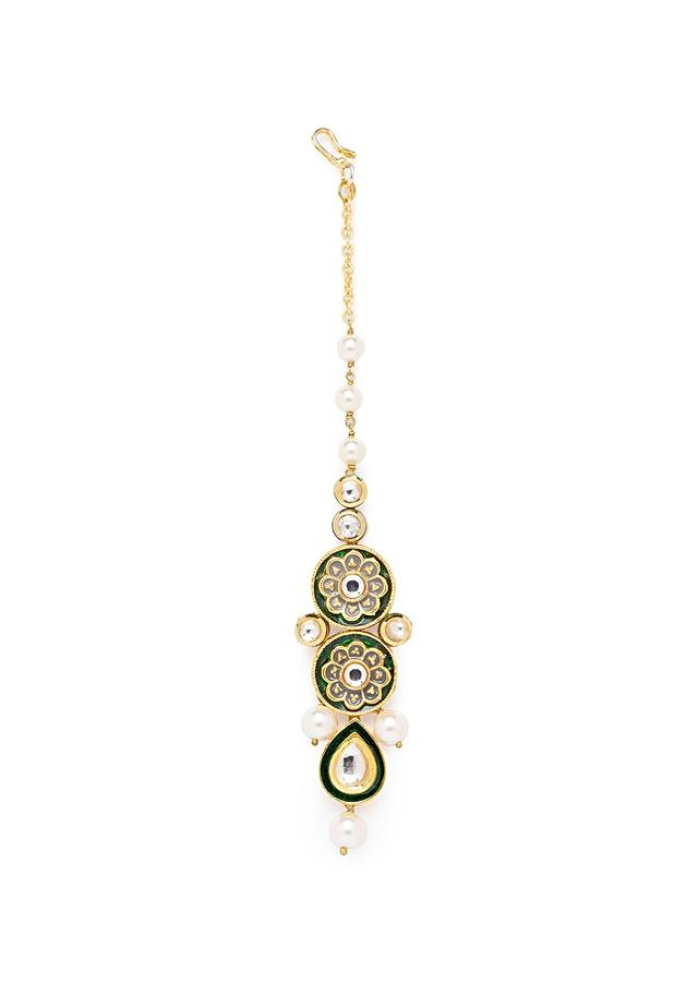Green And White Floral Meenakari Maang Tika With Kundan And Ivory Shell Pearls Online - Joules By Radhika