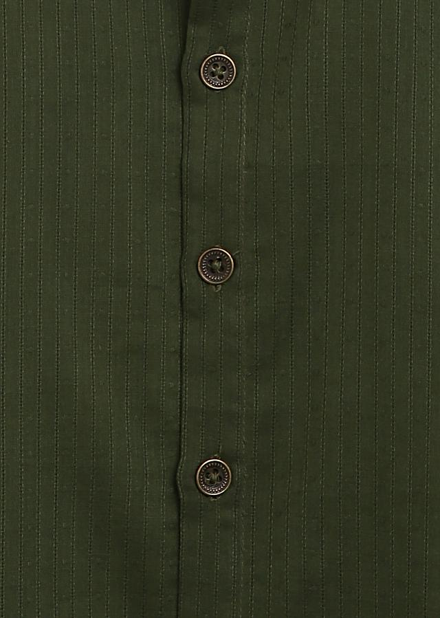 Green Bundi And Kurta Set In Cotton With Thread Embroidery Detailing By Tiber Taber