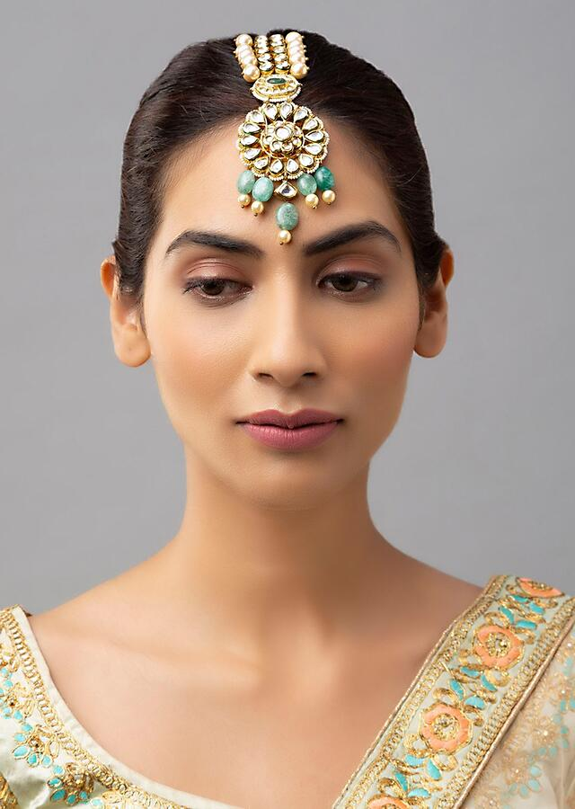 Green Jade Maang Tika With Hydro Kundan And White Shell Pearl Detailing Online - Joules By Radhika