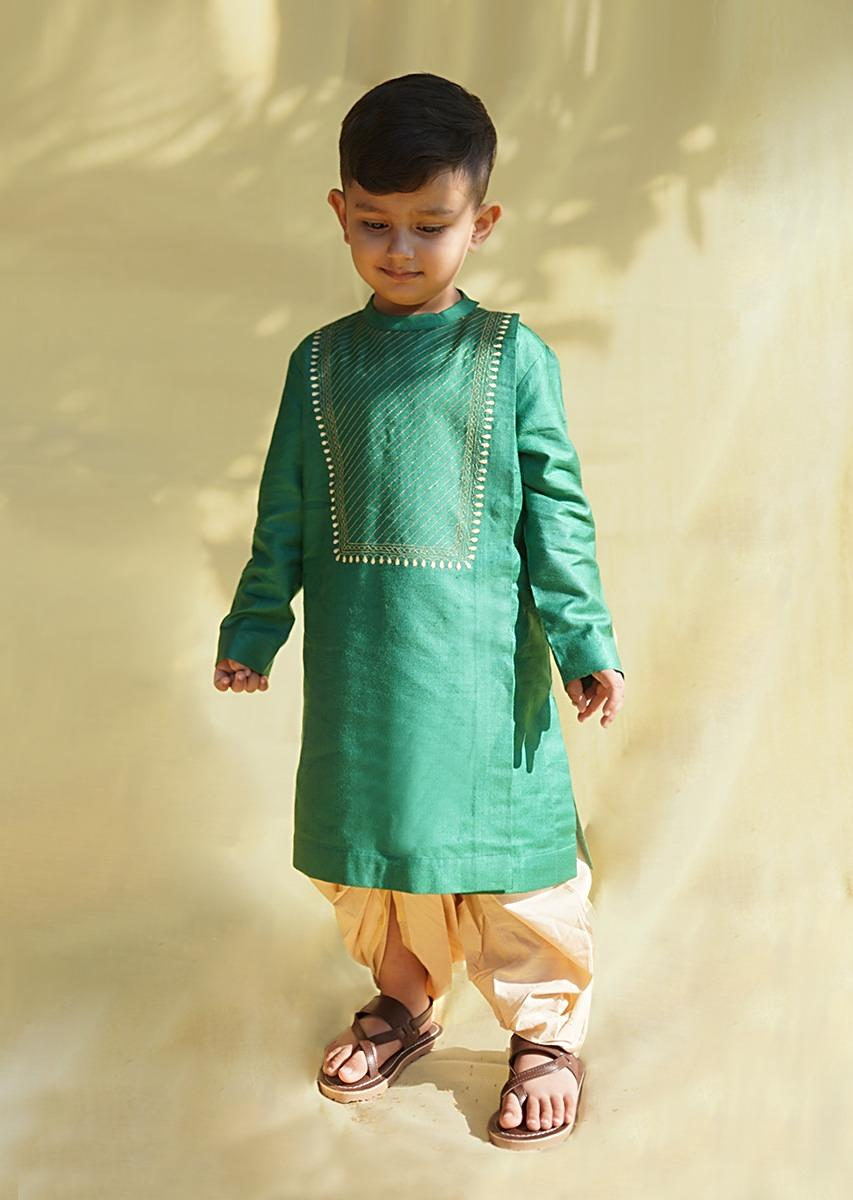 Green Kurta And Dhoti Set In Hand-woven Cotton Silk With Delicate Embroidery On The Yoke By Tiber Taber