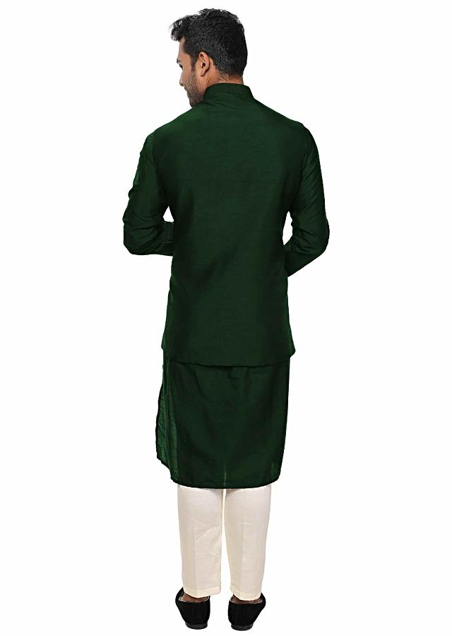 Green Kurta Set Paired With A Green Heavy Embroidered Jacket Online - Kalki Fashion