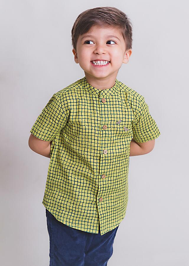 Green Shirt In Cotton With Check Print And Metal Bird Brooch By Tiber Taber