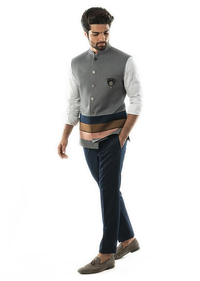 Grey Bandi In Textured Fabric With Tricolour Panel Detail. Online - Kalki Fashion