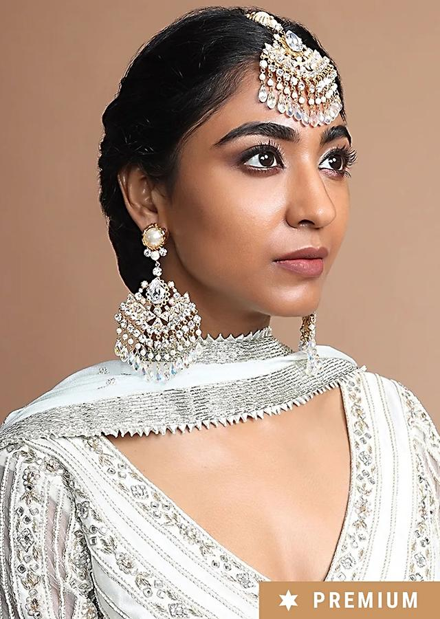 Gold Plated Maang Tika With An  Ideal Blend Of Crystals And Pearls In Ethnic Design By Prerto