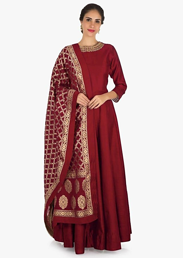 Maroon Anarkali Suit In Silk With A Banarasi Brocade Dupatta Adorned In Cut Dana And Kundan Work Online - Kalki Fashion