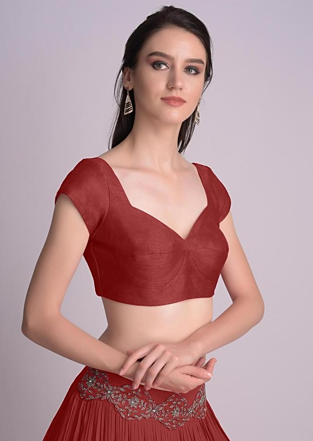 Maroon Blouse In Raw Silk With Sweet Heart Neckline Online - Kalki Fashion