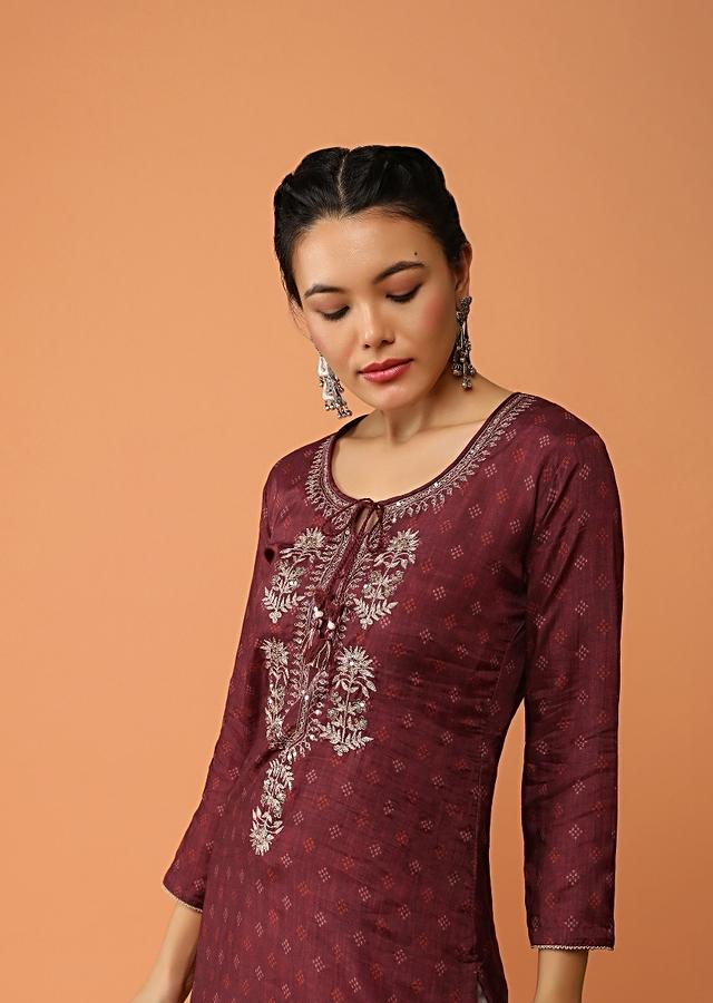 Maroon Straight Cut Kurti With Printed Buttis And Floral Embroidered Placket With Sequins And Zari Work Online - Kalki Fashion