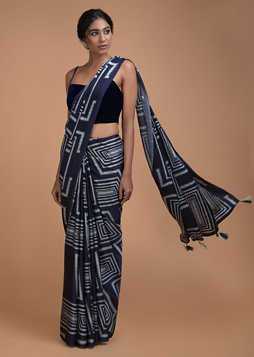 Midnight Blue Saree In Satin With Print In Geometric Pattern All Over Online - Kalki Fashion