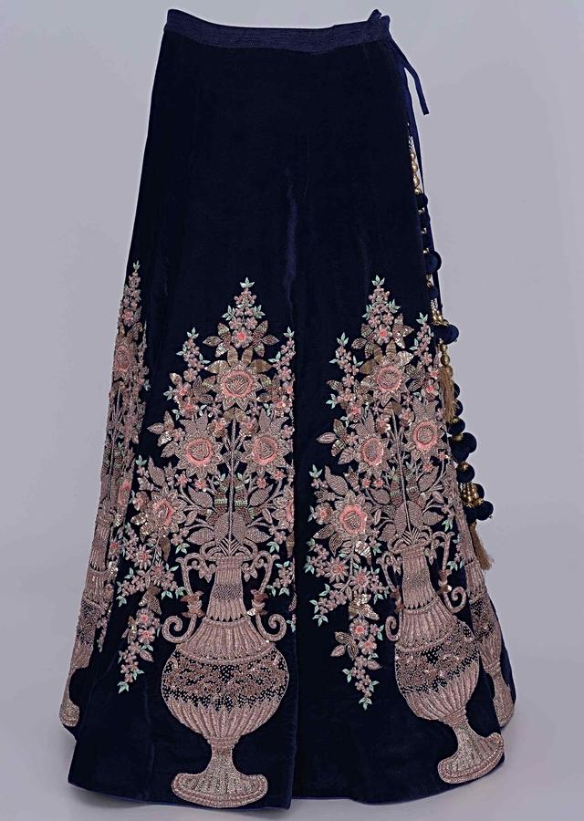 Midnight Blue Lehenga In Velvet With Blush Pink Net Dupatta Online - Kalki Fashion
