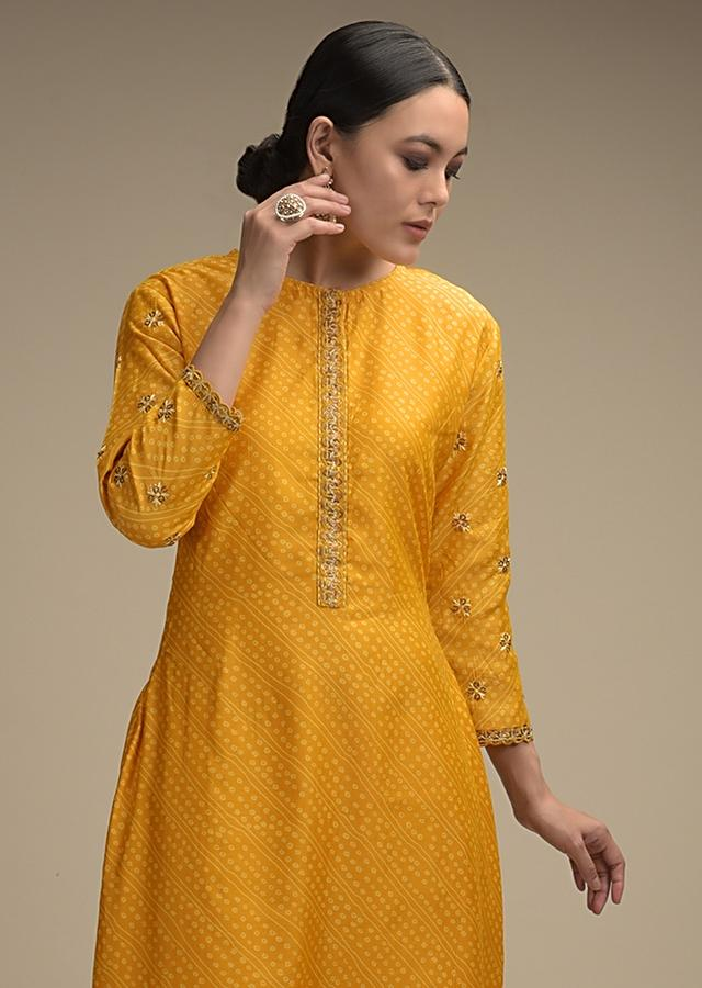 Mustard Yellow Straight Cut Suit In Cotton With Bandhani Print And Sequin Accents Online - Kalki Fashion