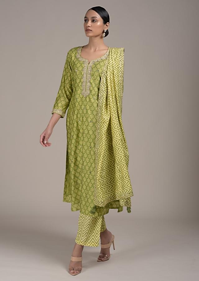 Nature Green Straight Cut Suit In Cotton With Batik Printed Buttis And Zari Highlights Online - Kalki Fashion