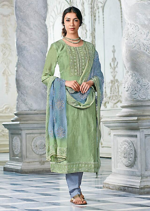 Nature Green Straight Cut Suit In Cotton With Lucknowi Work In Floral Pattern And Pin Tucks Details Online - Kalki Fashion