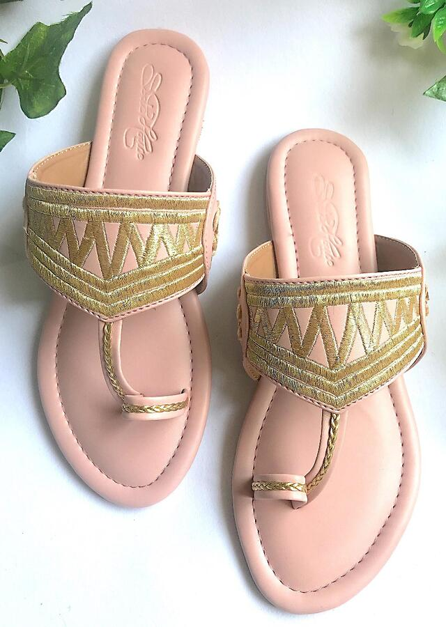 Nude Pink Kolhapuri Flats With Traditional Zari Work In Zigzag Design And Accents Of Cream Velvet Rose Patchwork Online By Sole House