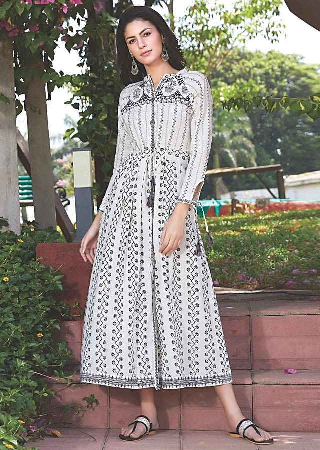 Off White A Line Tunic Dress With Patola Print And Abla Work Online - Kalki Fashion