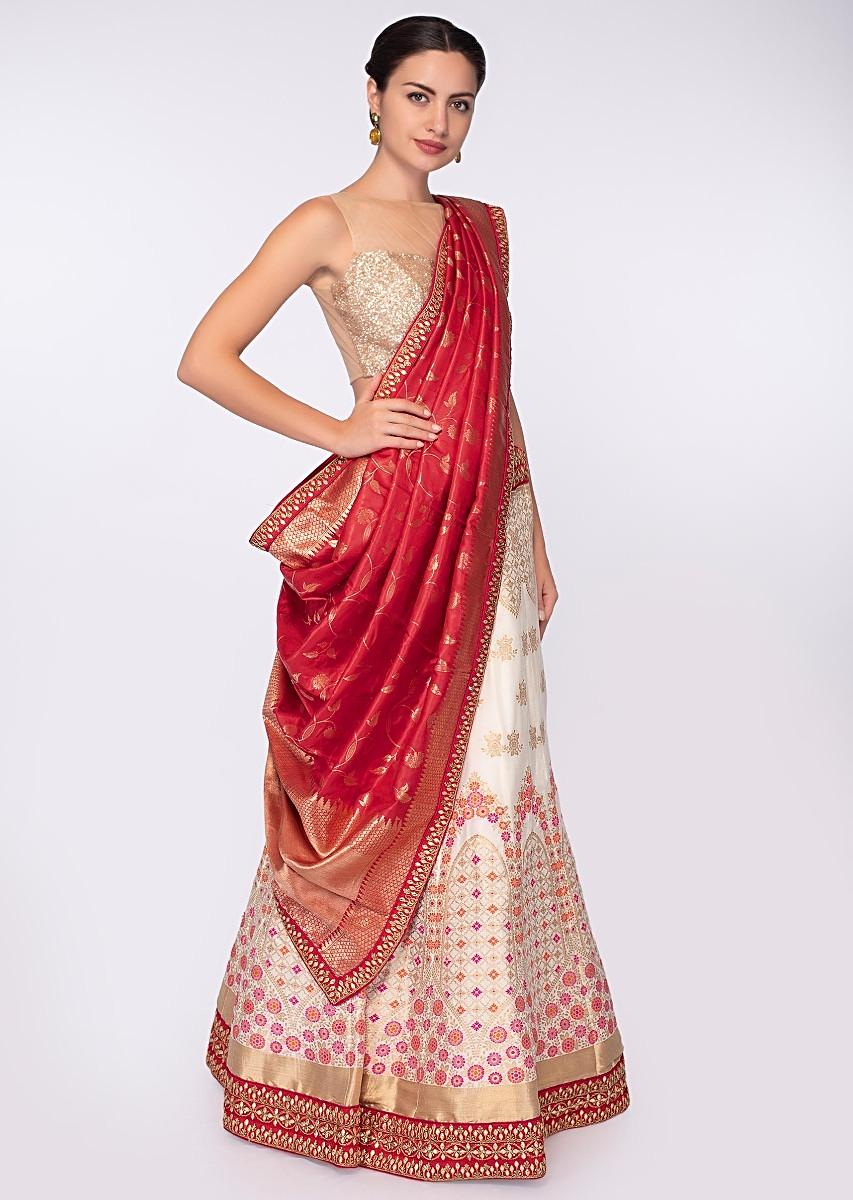 b0be7affdb772 Off white banarasi silk and brocade lehenga with red banarasi silk brocade  dupatta only on Kalki