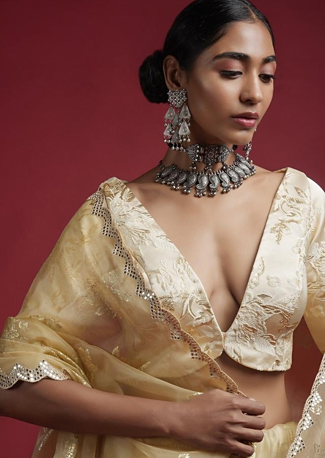 Off White Blouse In Brocade Silk With Woven Floral Design And Plunging V Neckline With Front Opening Online - Kalki Fashion