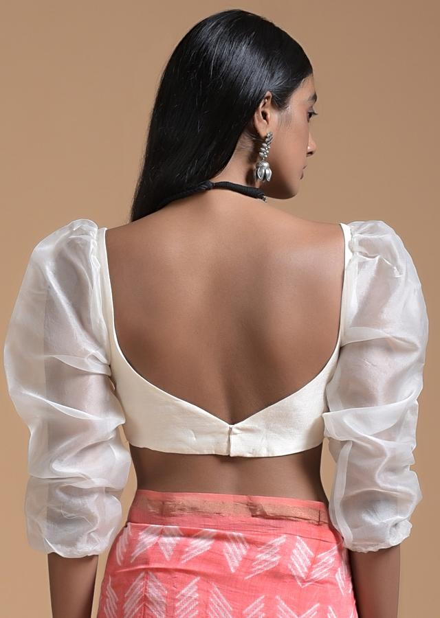 Off White Blouse In Raw Silk With Fancy Puffed Organza Sleeves And Sweetheart Neckline Online - Kalki Fashion