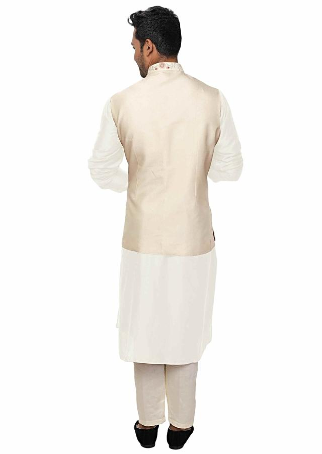 Off White Kurta With Cowl Drape Paired With An Off White Threadwork Jacket With Flap Pockets Online - Kalki Fashion