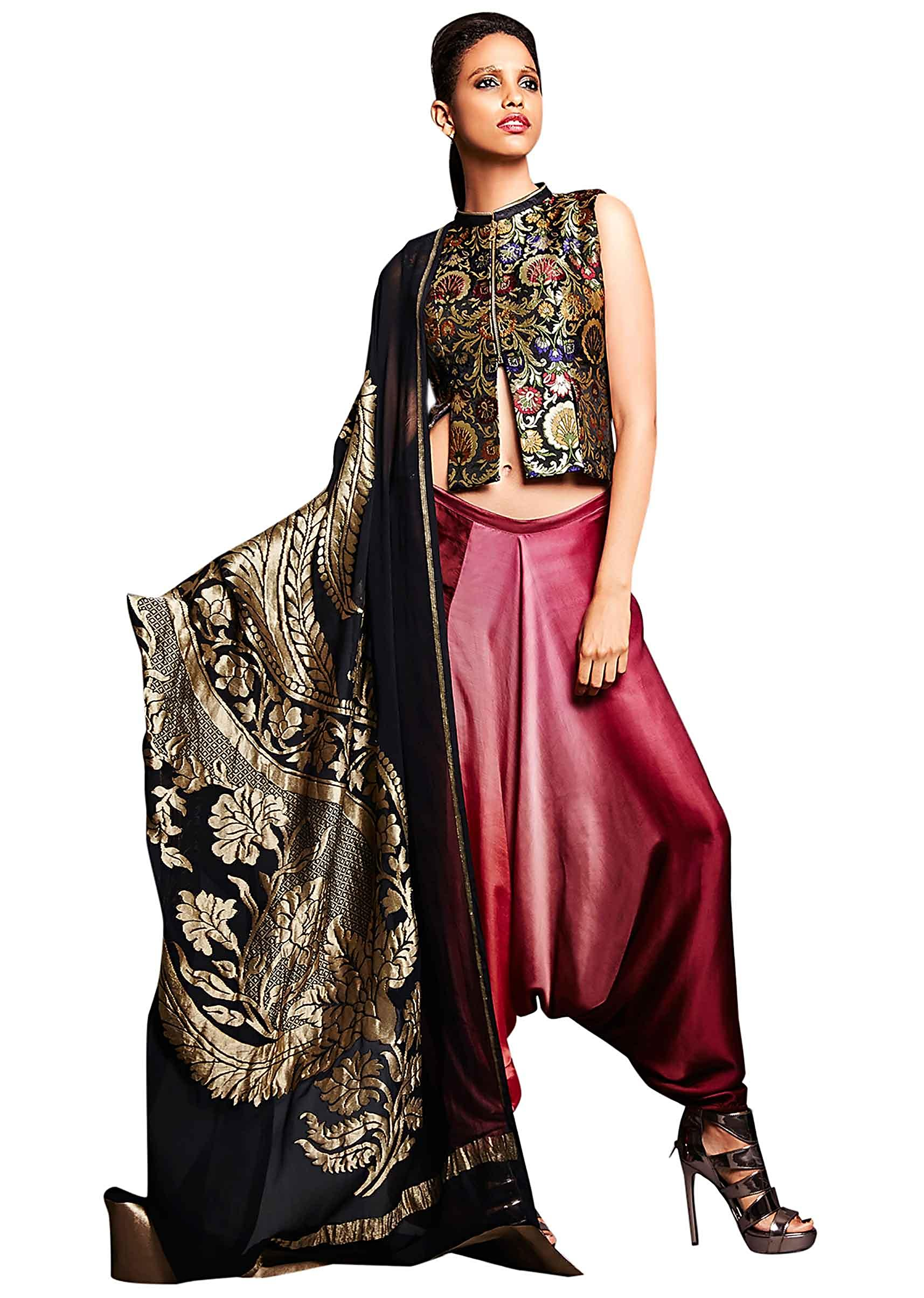 764e71a717119 Black jacket in brocade silk with aladdin pants only on KalkiMore Detail