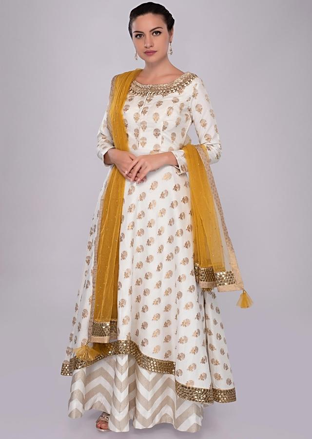 Off White Skirt In Jacquard Silk With A Line Suit In Butti Online - Kalki Fashion