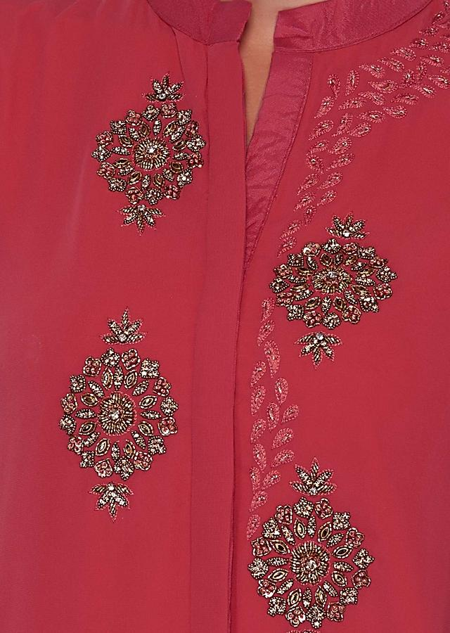Peach Short Kurti Embellished In Moti And Kundan Embroidered Butti Online - Kalki Fashion