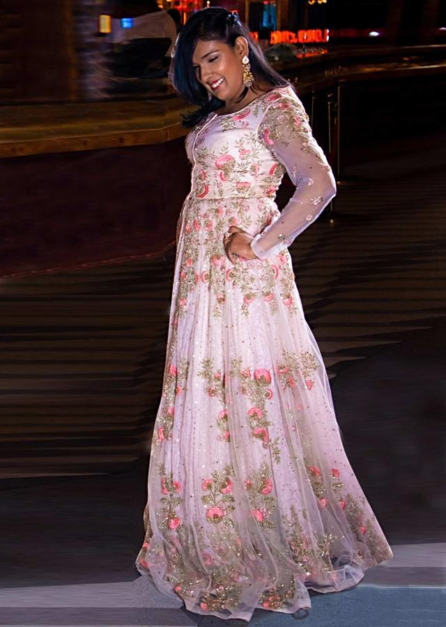 Kriti Mohan In Kalki Powder Pink Lucknowi Embroidered Jacket Lehenga Set