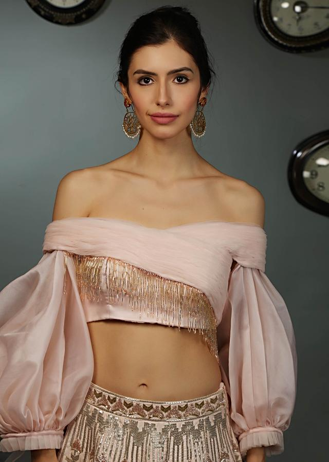 Powder Pink Lehenga In Raw Silk With Crepe Blouse With Ruching And Organza Balloon Sleeves Online - Kalki Fashion