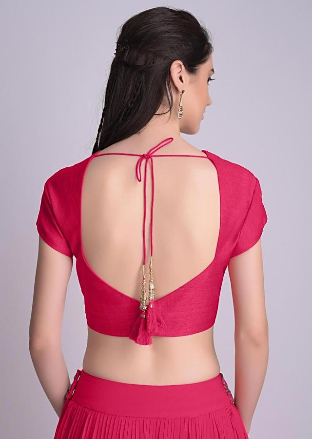 Rani Pink Blouse With Deep Sweet Heart Neck And Cap Sleeves Online - Kalki Fashion