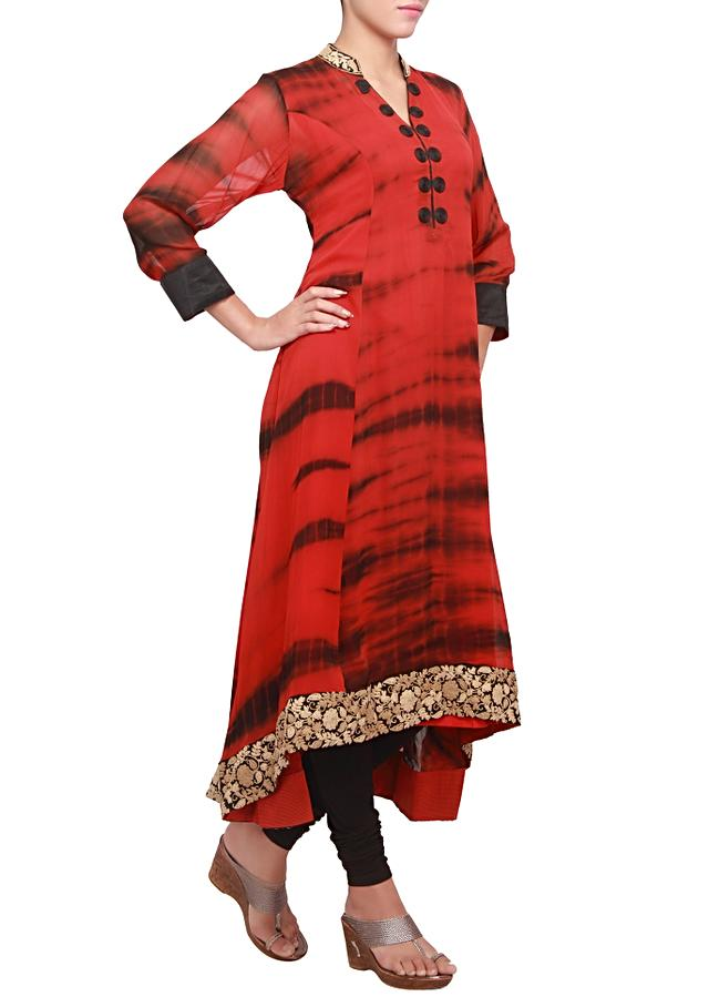 Red and black dyed kurti featuring with embroidered collar and hem-line only on kalki