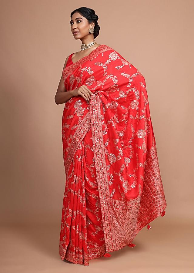 Red Banarasi Saree In Dola Silk With Weaved Floral Jaal And Tassels On The Pallu Online - Kalki Fashion