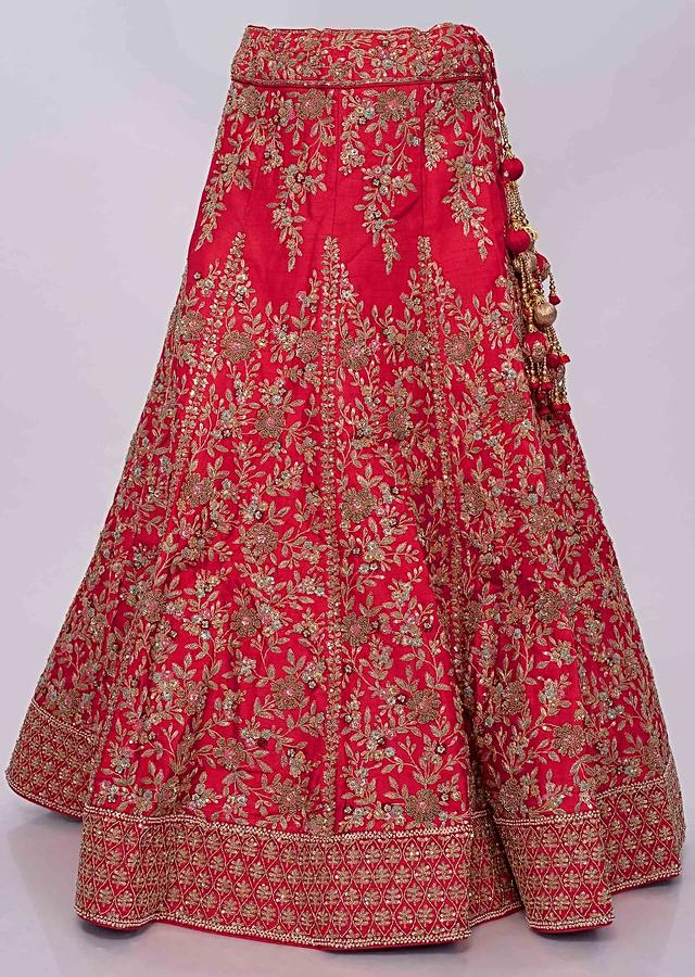 Red Lehenga In Raw Silk With Machine Embroidery In Floral Motif Online - Kalki Fashion