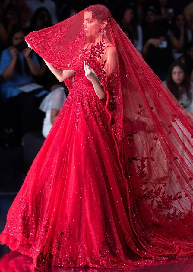 Ruby Red Gown With A Long Head Trail With Pleated Net Border Online - Kalki Fashion