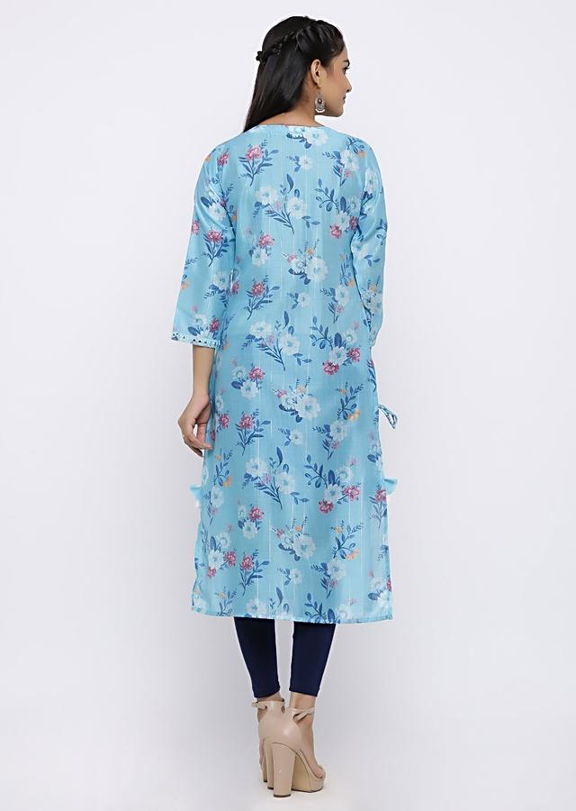 Sky Blue Kurta In Muslin Cotton With Floral Print and Mirror Work Online - Kalki Fashion