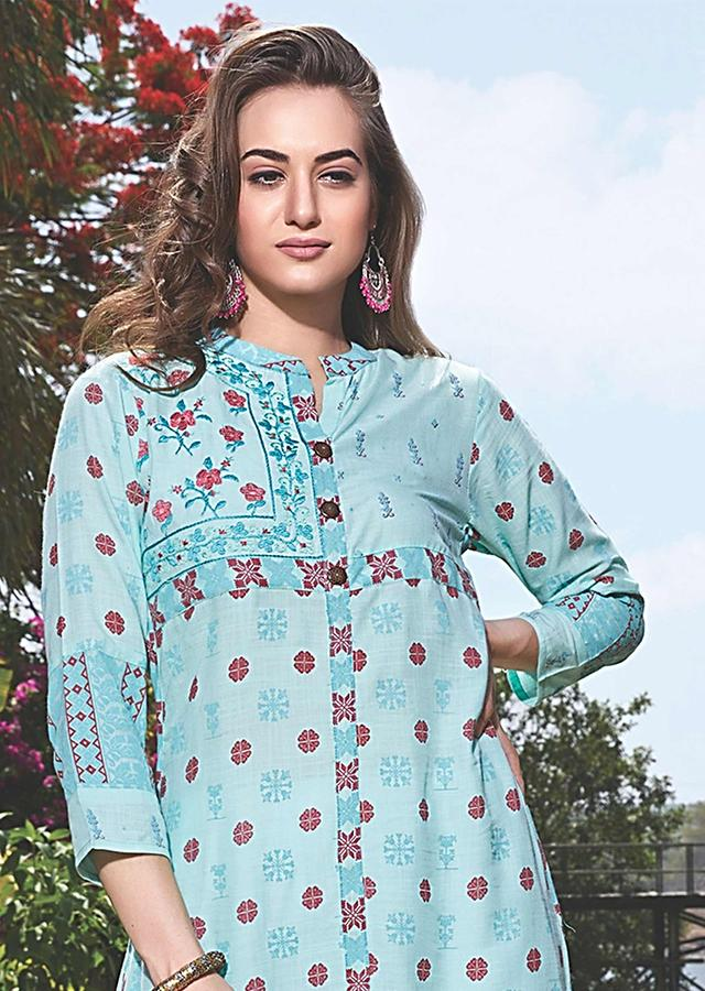 Sky Blue Kurti With Thread Embroidery And Printed Buttis Online - Kalki Fashion
