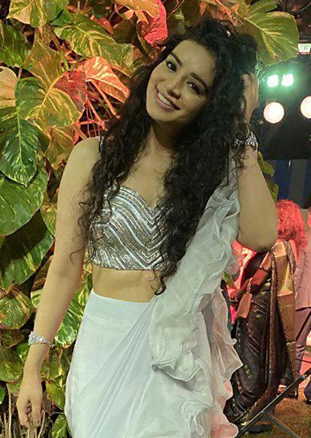 Sukirti Kandpal In Kalki Powder Blue Ready Pleated Ruffle Saree And Embellished Blouse