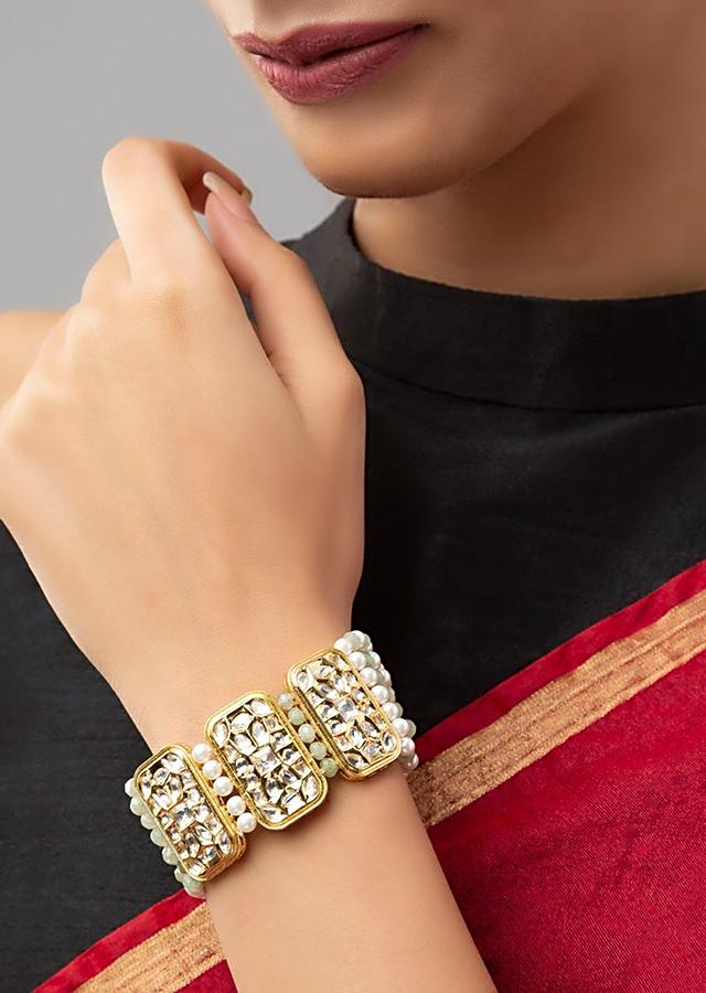 White Bracelet With Lush Hydro Kundan Polki, Shell Pearl Strings And Agate Beads Online - Joules By Radhika