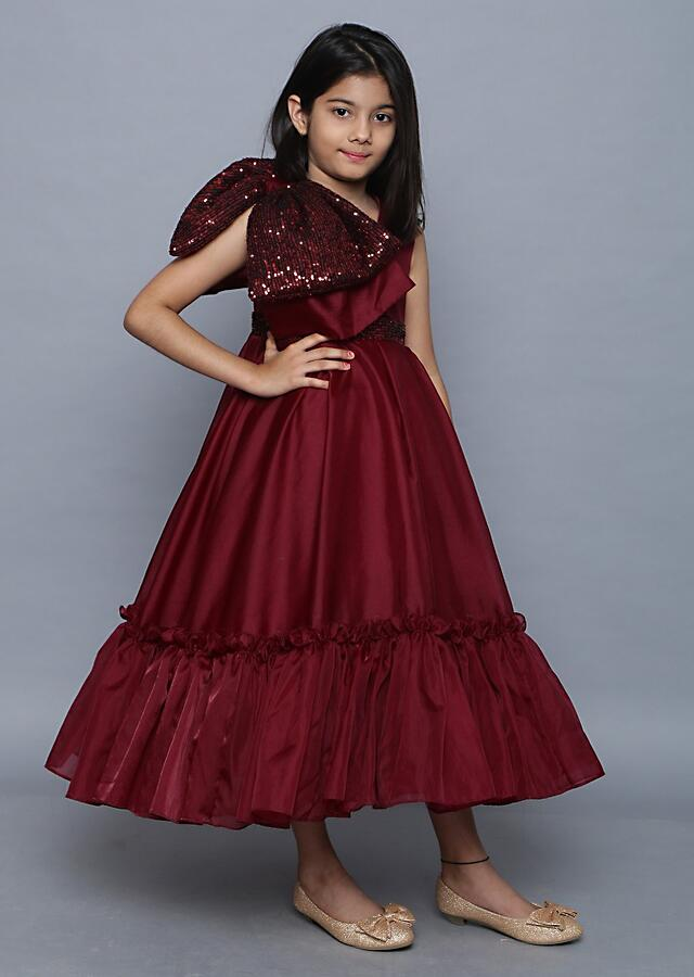 Wine Dress In Organza With Tiered Hem And Sequins Bow On The Shoulder Online - Kalki Fashion
