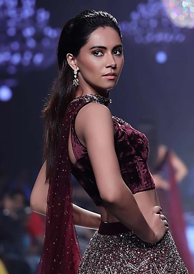 Wine Purple Blouse In Velvet With Plunging V Neckline, Cut Out Detail And Cut Dana Work Online - Kalki Fashion