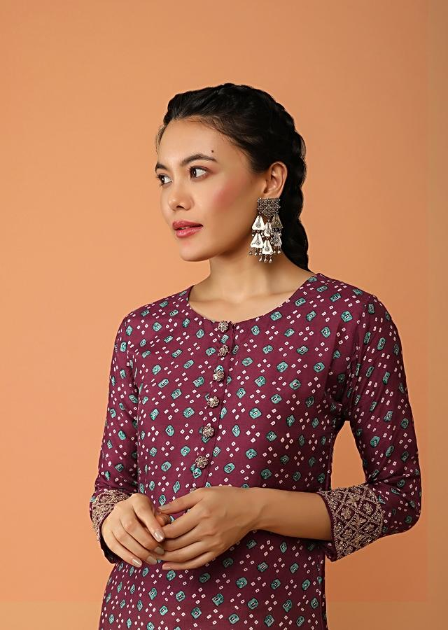 Wine Straight Cut Kurti In Cotton With Bandhani Print All Over Along With Zari And Sequins Detailing Online - Kalki Fashion