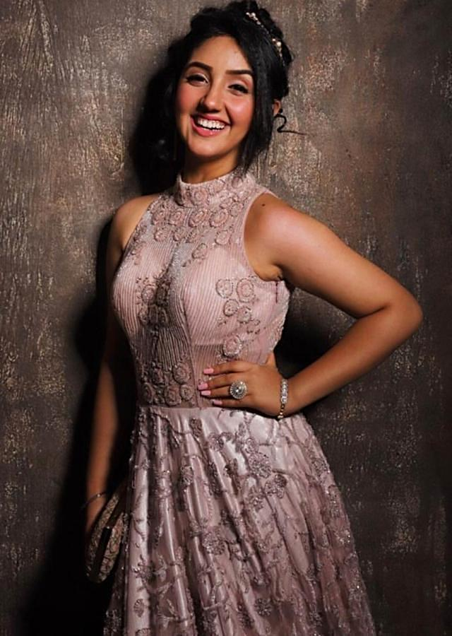 Ashnoor Kaur In Kalki Mauve Indowestern Gown With Hand Embroidered Floral Jaal