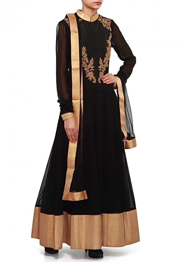 Black anarkali suit adorn in zardosi and french knot embroidery only on Kalki