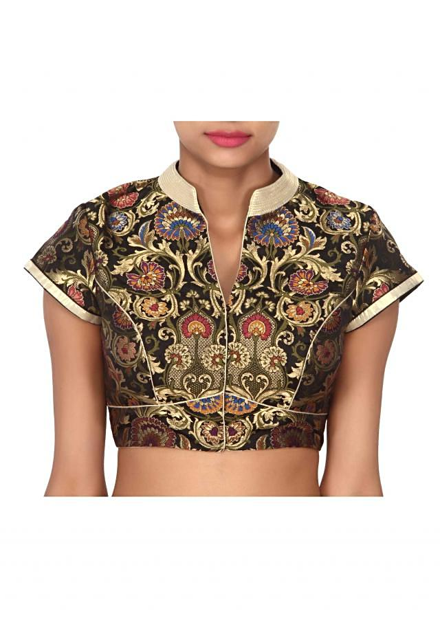Black blouse highlighted in gold collar only on Kalki