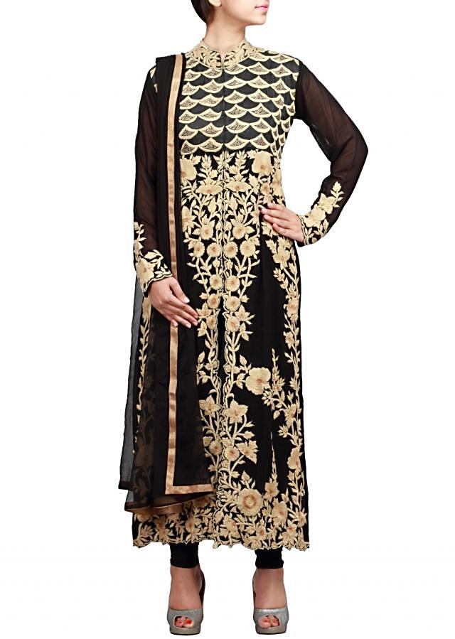 Black straight fit suit featuring in thread embroidery only on Kalki