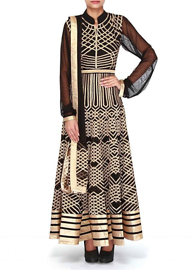 Black anarkali suit featuring in zari embroidery only on Kalki