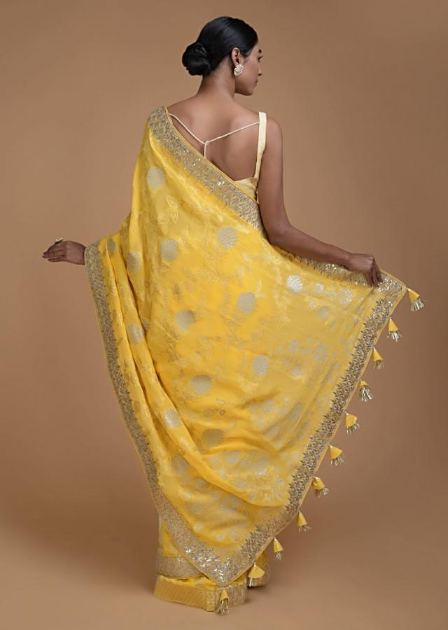 Blonde Yellow Banarasi Saree With Weaved Floral Jaal And Gotta Embroidery Online - Kalki Fashion