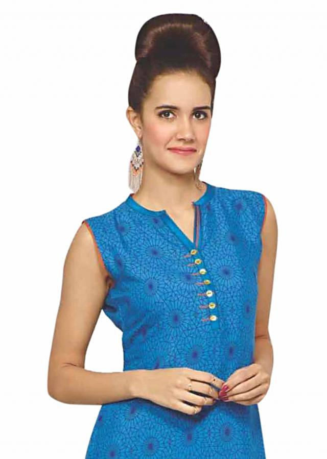 Blue kurti features with floral printed hem line