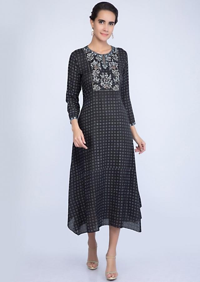 Carbon Black Tunic Dress In Cotton With Printed Butti And Embroidered Placket Online - Kalki Fashion